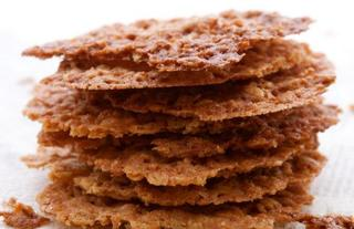Oat and nut biscuits