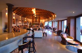 Lehele Lodge - Bar and Lounge Area