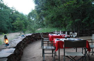 Stone Camp - Riverbed Dining